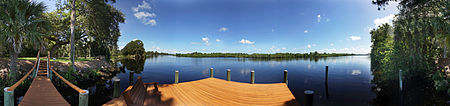 Immobilien Private Riverfront Estate 22 +/- Acres with 1,250 +/- feet on the Intracoastal Waterway in LaBelle