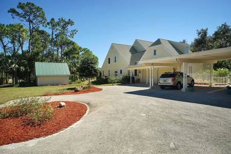 Slideshow of vacation rental property Country Estate on over 7 acres in Naples